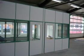 Teilglaselemente Hallenbüro (Trennwände, Trennwand, Teilglas, Teilverglast)