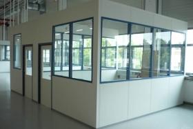Hallenbüro in Lagerhalle